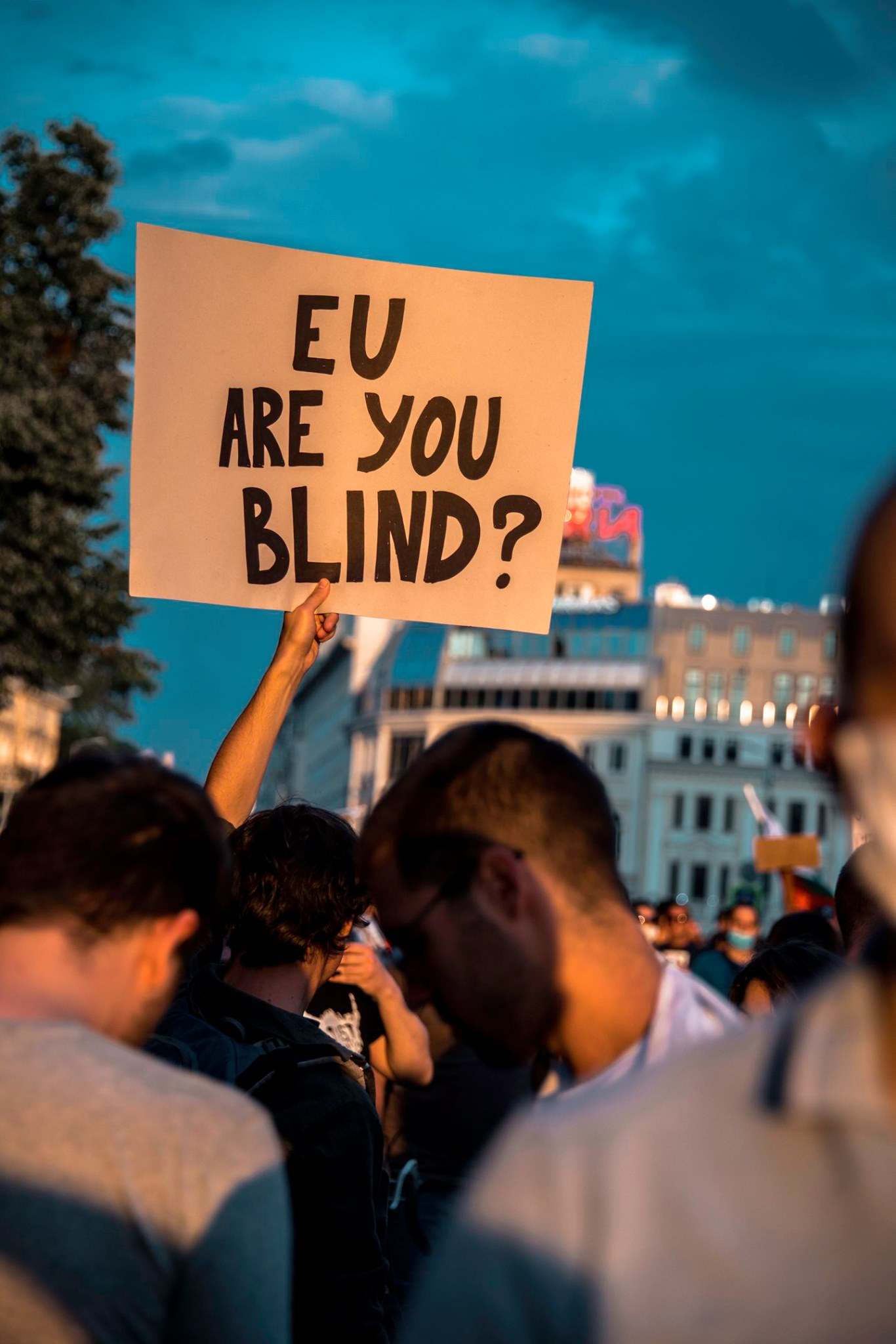 """EU, are you blind?"". Foto: Sketches of Sofia (facebook.com/etiuditenasofia/)"