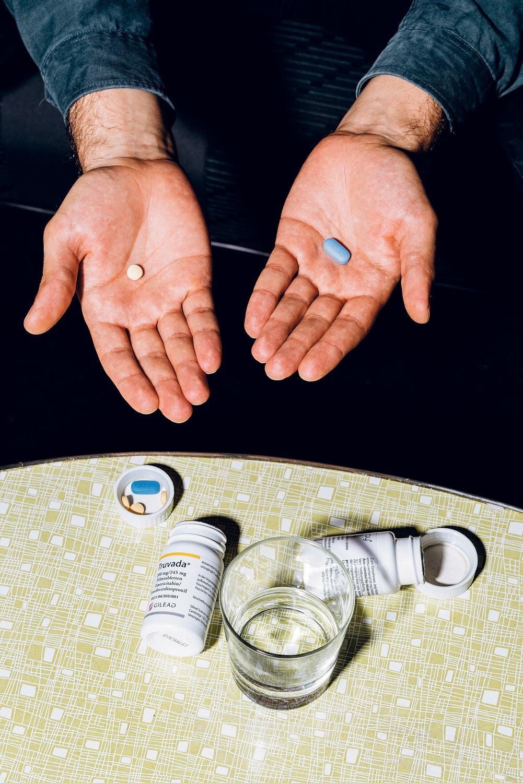 Die PEP-Therapie dauert einen Monat lang, in dem der Patient zwei verschiedene Medikamente (Truvada und Tivicay) nimmt. Kosten priviat: 1800 Euro. Foto: Marko Mestrovic