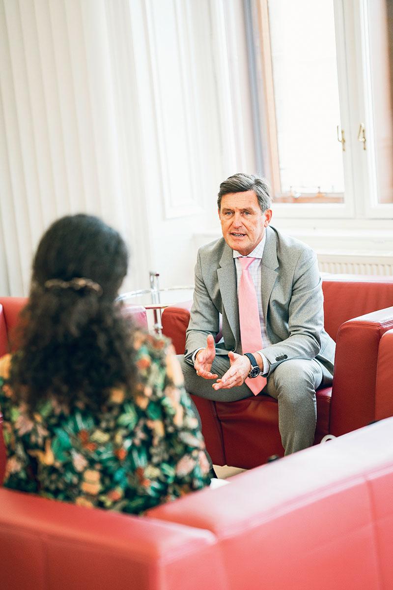 Delna Antia-Tatić im Gespräch mit Finanzstadtrat Peter Hanke