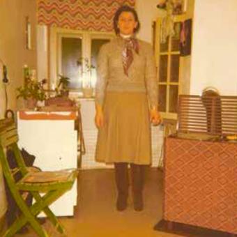 Mama kommt aus ärmlichen Verhältnissen, langsam baut sie sich ein Leben in Österreich auf.