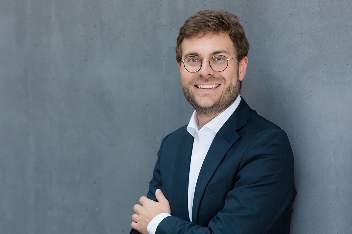 Christopher Buschow ist Medienwissenschaftler und Jurymitglied der Wiener Medieninitiative