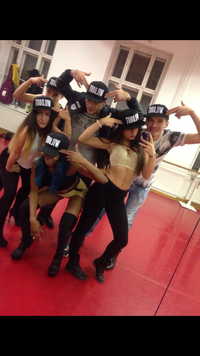Marius, Maira, Ivan Fox, Chica Chely, Anel und ich beim training.