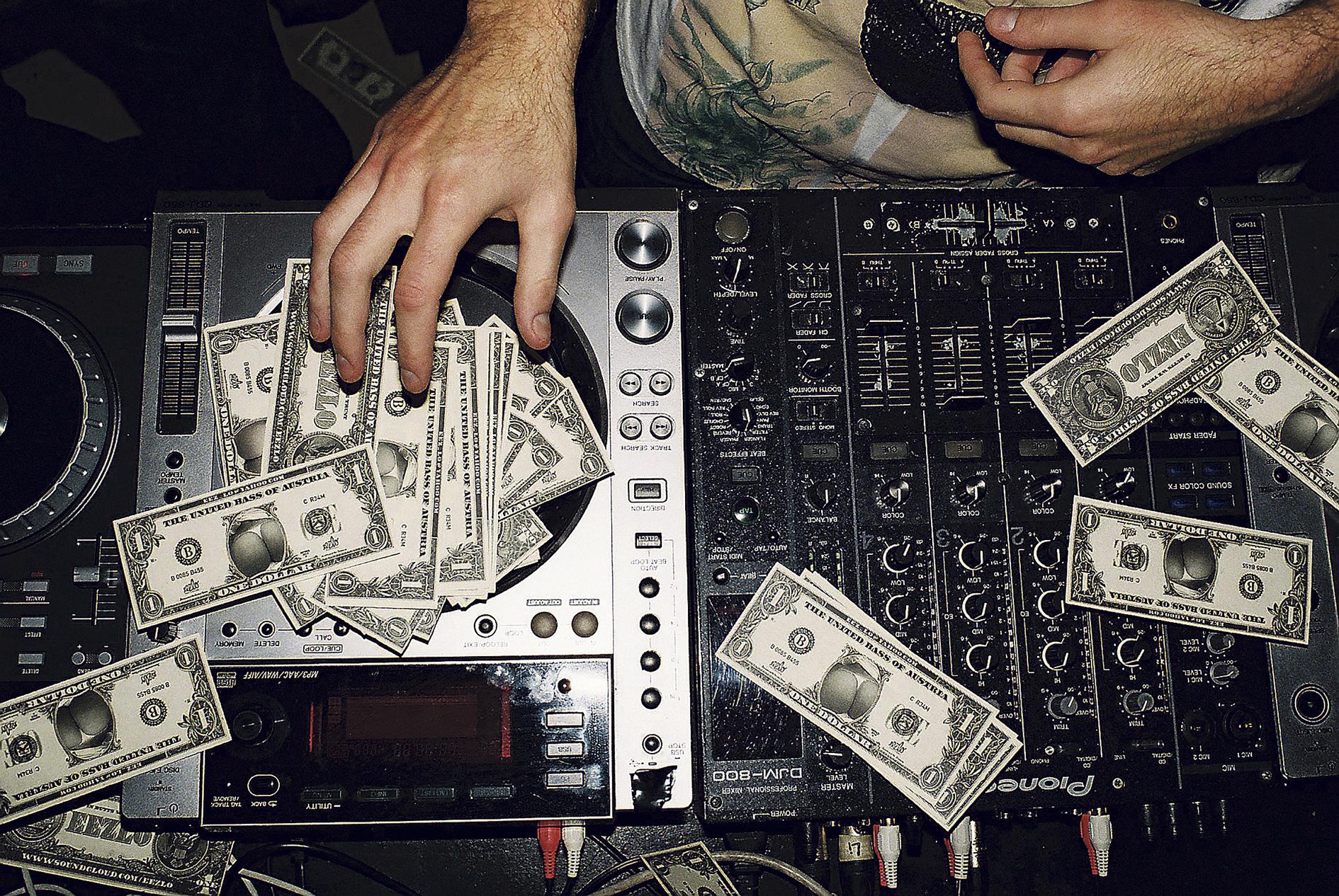 hiphop, autos, geld, frauen