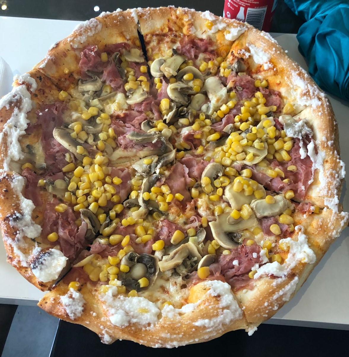 Pizza, Weikendorf, Essen