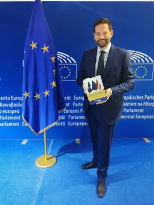 Mandl, Kosovo, Serbien, EU