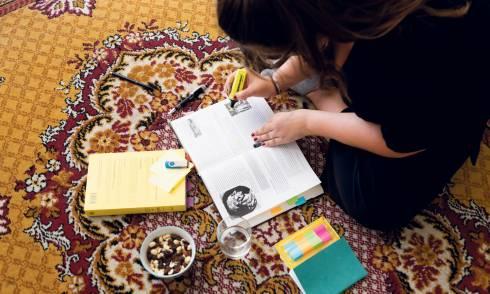Studentin, Zuhause, Lernen, Migranten