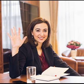Alma Zadić wird noch mindestens 5 Jahre in der Politik bleiben