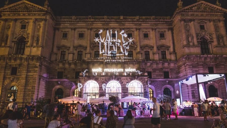 Welmuseum, Lichtshow, Calle libre