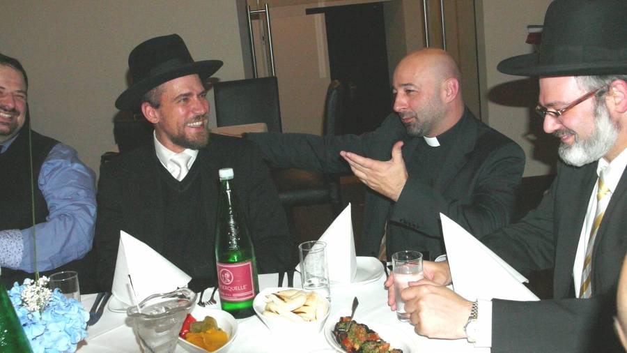 Zwei Rabbiner, Iman und Priester