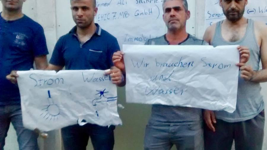 Flüchtlingsprotest gegen korrupte Immobilienmakler