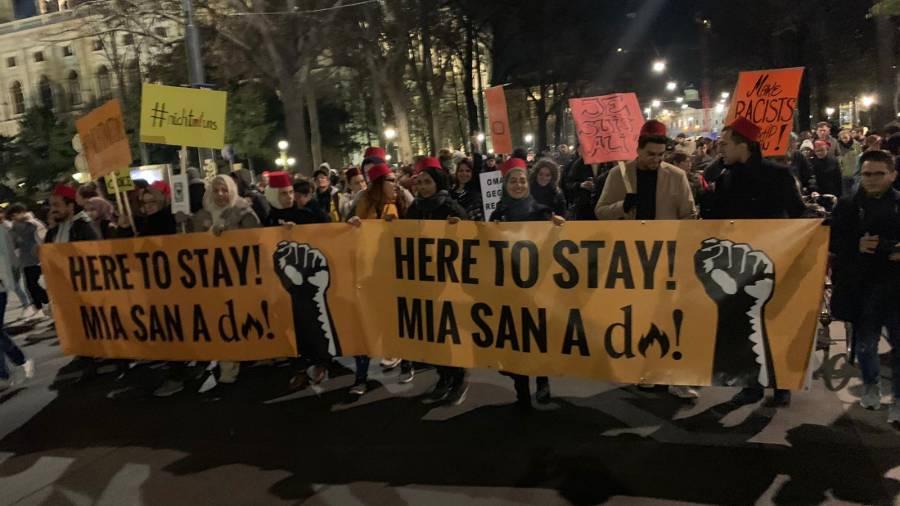 Tausende Demonstranten zogen am Donnerstag durch Wien Foto: Muhammed Yüksek