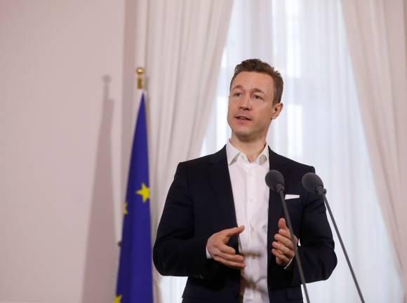 Finanzminister Blümel will Deutschkenntnisse als Voraussetzung für eine Gemeindewohnung (Foto: BKA/Dragan Tatic)