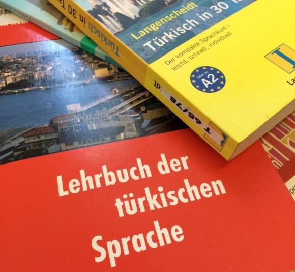 Türkisch lernen; Bücher; Bibliothek