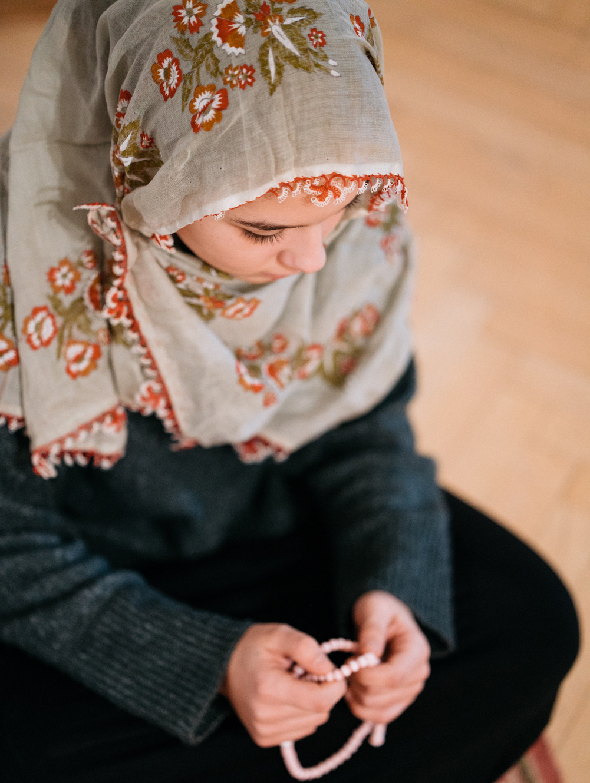 Süleymans Kinder, Mädchen, Kopftuch